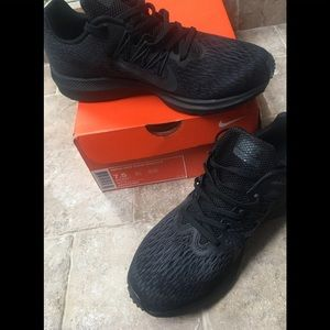 Nike Shoes - SOLD.... Women's Nike Air Zoom Winflo